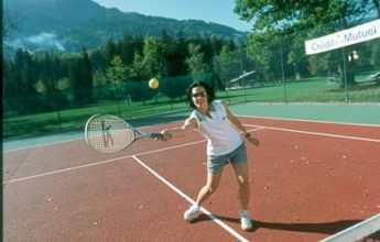 Tennis court for rent in Verchaix