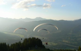 """""""Introductory training"""" paragliding course"""