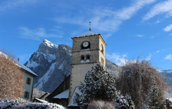 A HISTORICAL TOUR OF SAMOENS' TOWN