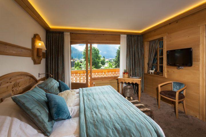 Bedroom luxury suite
