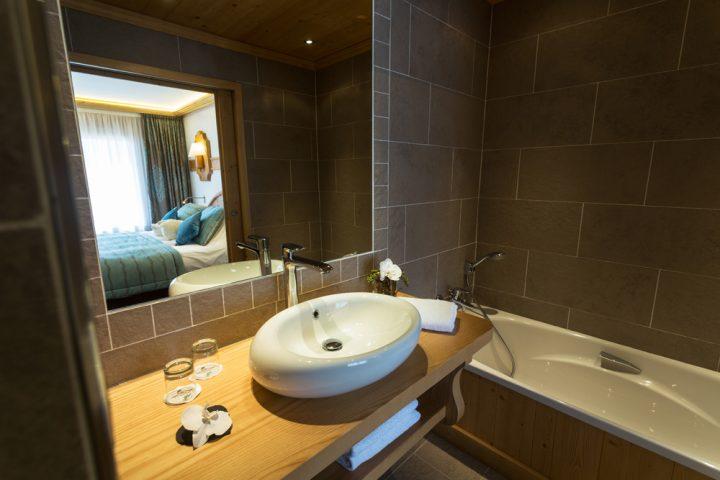 Bathroom luxury suite