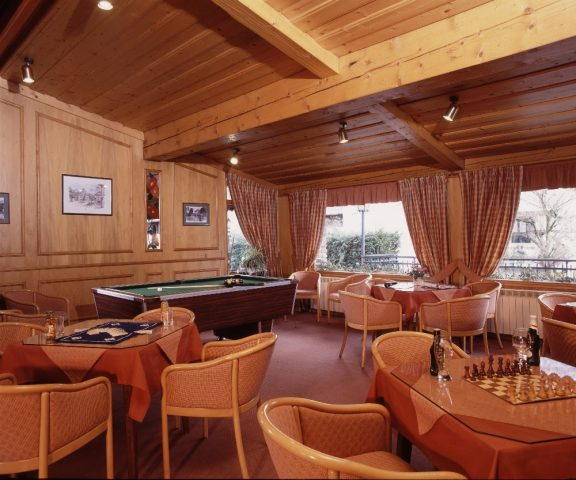 Pool table lounge