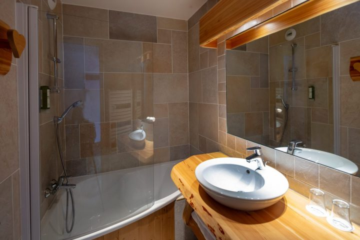 Bathroom twin room annexe building