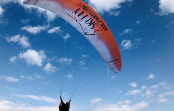 First flight in paragliding