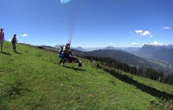 Paragliding tandem flight for people with needs – Pégase Air